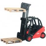Forklift Linde with Pallets - Bruder 2511