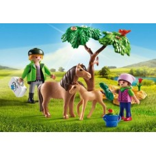 Vet with Pony and Foal - Playmobil Pony Farm  NEW in 2017